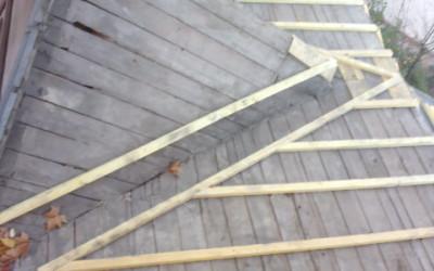 La réalisation des travaux d'isolation lors de travaux de dépannage de toiture, obligatoire ?