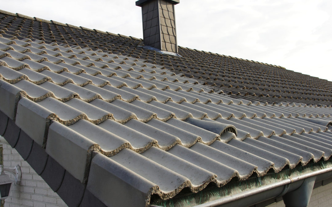 Comment procéder au nettoyage toiture ?